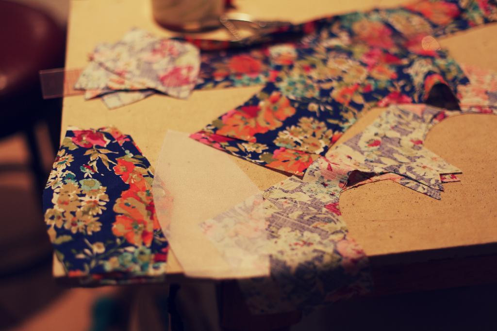 Retro Vintage boned bustier floral swim suit Marusya Anagrassia