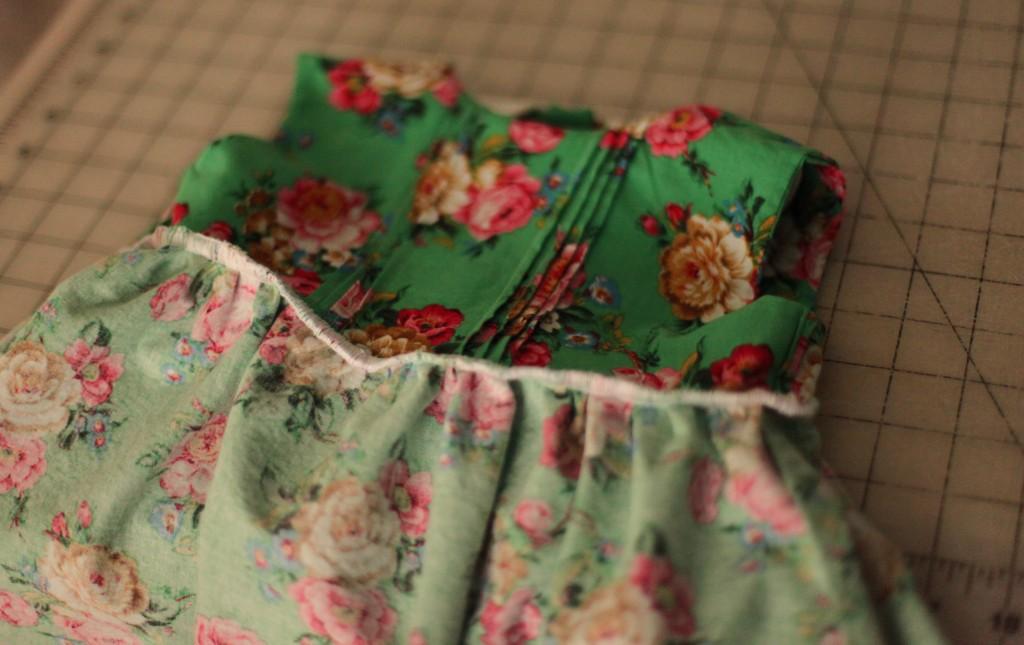 floral green girls dress pin tucks peter pan collar