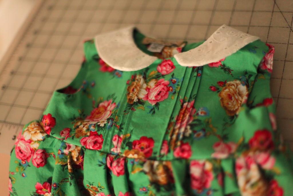 floral, green, girls, dress, pin, baby, tucks, peter, pan, collar, anagrassia, marusya, ukrainian, cotton, eyelet, white